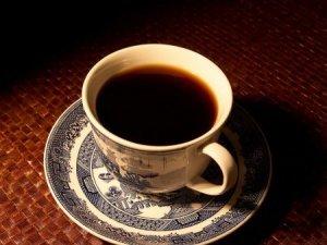 هل تشرب القهوة على معدة خالية؟ تعرف على أضرار شرب القهوة على معدة خالية