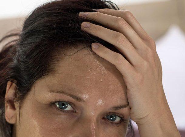 اسباب التعرق الشديد عند النساء