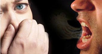 14 طريقة للتغلب على رائحة الفم المزعجة
