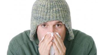 كيف أميز بين نزلة البرد والحساسية؟