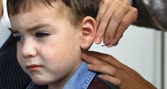 الطب البديل يعالج الأطفال بطريقة آمنة