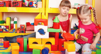 ألعاب الأطفال كيف تتأكدين من أنها آمنة ومناسبة ؟