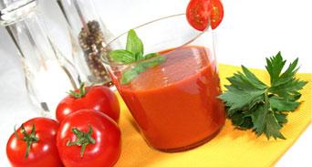 فوائد عصير الطماطم للصحة و العظام
