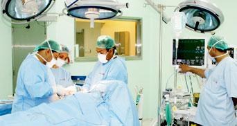 الدكتور عادل ديماسي القسطرة القلبية عبر شرايين اليد الأحدث عالمياً