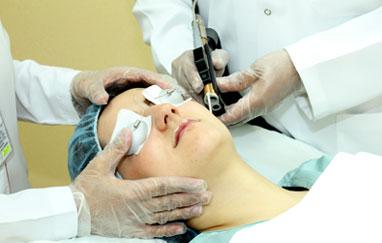 أحدث التقنيات لإزالة الشعر وعلاج الندبات والتجاعيد والبشرة الداكنة