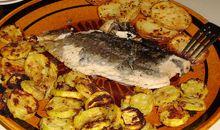 سمك التراوت مخبوز أو مشوي