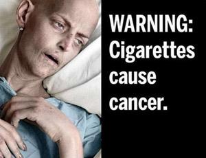 جثة رجل مدخن على علب السجائر الأمريكية
