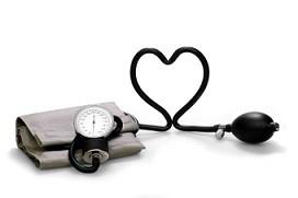 د رامي إسماعيل: من الأخطاء الطبية تناول أدوية لرفع الضغط