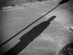 دراسة : المرأة الطويلة أكثر عرضة للإصابة بالسرطان