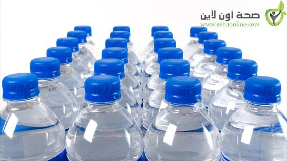 أضرار علب الماء البلاستيكية على الصحة
