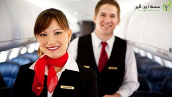 هل تعرف لماذا تستقبلك المضيفات على باب الطائرة